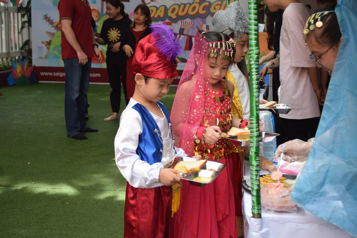 11 11 dsc 0036 1 Không khí lễ hội văn hóa Ấn Độ náo nhiệt tại SGA Trần Nhật Duật