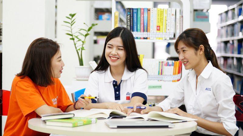 51 32 sinh vien hsu nang dong sang tao tu tin hoi nhap toan cau 1 Đại học Hoa Sen: Chương trình MBA hiệu quả cao cho học viên