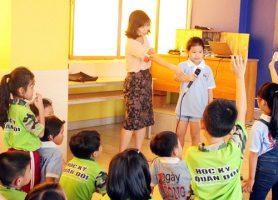 cau chuyen giao duc tu chuyen hoi duong hoc sinh b2e Học sinh UKA Hạ Long hào hứng tham gia các Dự án cộng đồng
