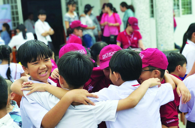 ischool-vong-tay
