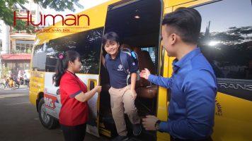 """thumbbus Bản tin Human số 3: Những chuyến """"school bus"""" đầy cảm xúc của học sinh hệ thống NHG"""