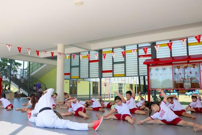 """1 1 1 Trương Thị Hiền - Cô giáo trẻ tiên phong đưa võ thuật xứ sở """"Kim chi"""" vào trường học"""