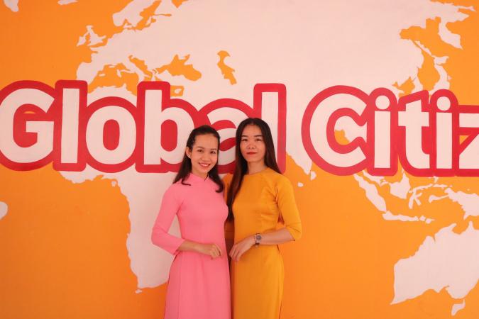 """Co ben phai nha a Trương Thị Hiền - Cô giáo trẻ tiên phong đưa võ thuật xứ sở """"Kim chi"""" vào trường học"""