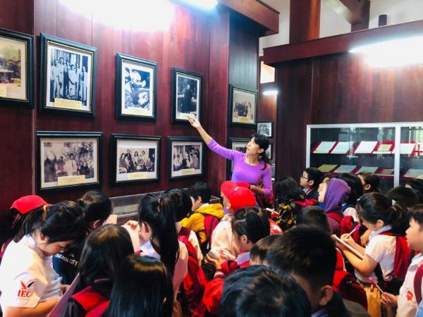 Giao duc lich su tai IEC Quang Ngai