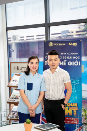 Dung lo co bac si tap 5 dien vien Thanh Thuy