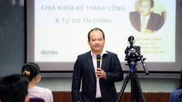 sinh vien HSU voi talkshow Lam Minh Chanh