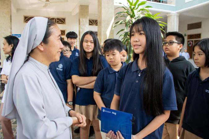 Chuong trinh Thien Nguyen Qua Tang Giang Sinh 2020