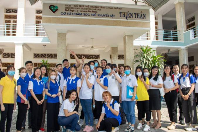 Chuong trinh Thien Nguyen Qua Tang Giang Sinh 2020 7 Hành trình bác ái của NHG mang yêu thương đến mái ấm Thiên Thần