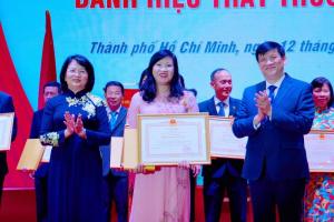 Thầy thuốc ưu tú Nguyễn Thị Hồng