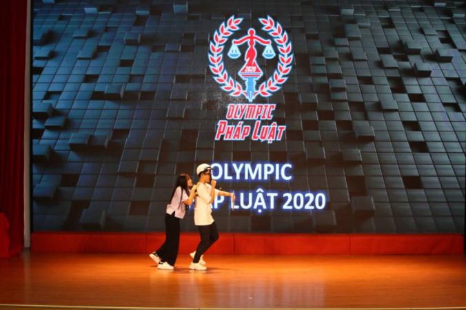 sinh vien Hiu va Olympic phap luat 2020