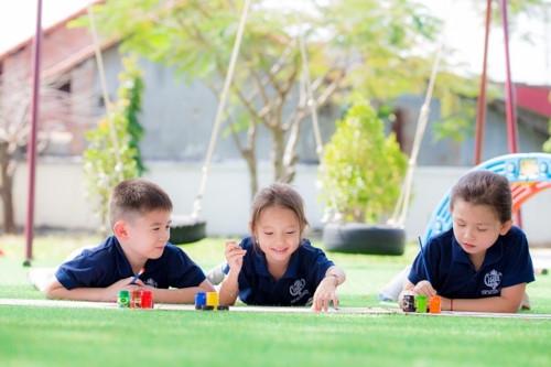 Giáo dục nhân bản hướng đến phát triển hoàn thiện cốt lõi tinh hoa của con người