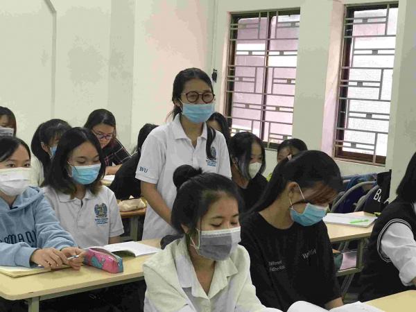 46 26 BVU  NGAY DAU QUA LAI TRUONG3 le thuy diem 11zon Sinh viên BVU hào hứng trở lại trường