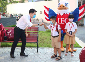 70 38 back to school pic 2 11zon IEC Quảng Ngãi sôi nổi quay lại trường