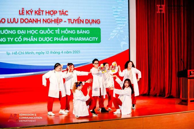 Đại học hồng bàng pharmacity