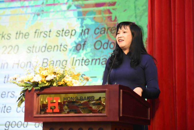 Cô Hồng chia sẻ RHM compressed Hướng phát triển mới trong đào tạo ngành Răng Hàm Mặt của ĐH Hồng Bàng (HIU)