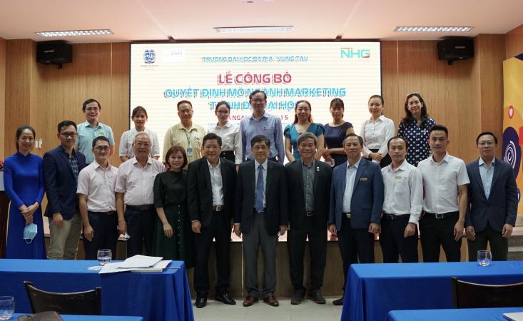 hinh ky niem Trường Đại học Bà Rịa – Vũng Tàu ra mắt ngành Tài chính – Ngân hàng và ngành Marketing