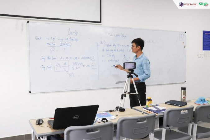 giảng dạy trực tuyến