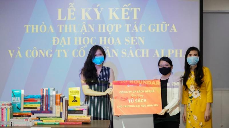 Đại học Hoa Sen ký kết hợp tác với Alpha Books